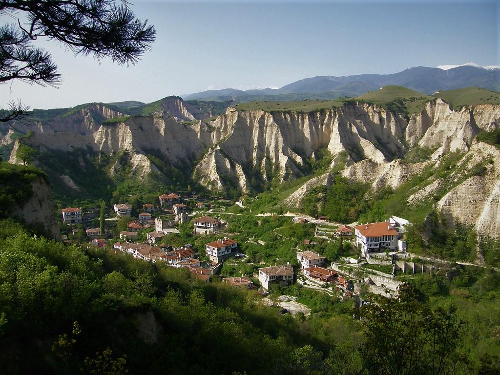 Мелник, Златолист и Роженски манастир
