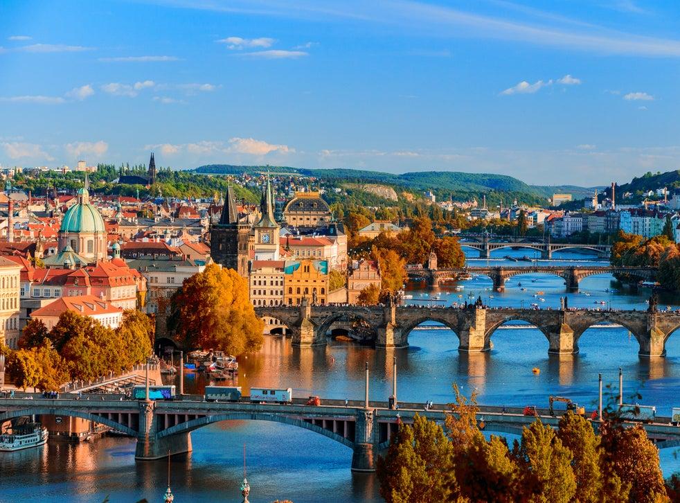 Прага и фестивалът на порцелана в Карлови Вари
